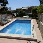 Chalet de 4 dormitorios  con piscina y jardin. Costa Tropical.