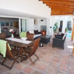 Villa furnished in Urbanización Los Pinos with a swimming pool. Almuñecar.