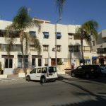 Spacious and centrally located 3 bedroom apartment near the beach.