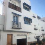 Charmigt hus renoverat i Almuñécar gamla stad.