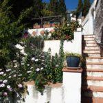 Casa adosada con piscina y con terreno en Torrecuevas, Almuñécar.