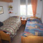 Apartamento en Urbanización Los Pinos con 2 dormitorios.