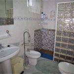 Casa en Torrecuevas con 5 dormitorios y piscina.
