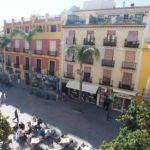 Typiskt andalusiskt hus på rådhusplatsen i Almuñecar.