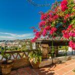 Bonita casa con vistas y jardines en El Capricho.
